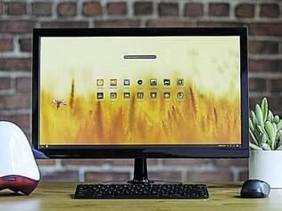 Diferente.  Equipamento faz da TV um computador com quase cem aplicativos, como Wikipedia, mesmo sem internet