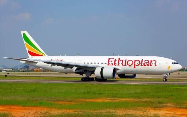 No domingo (10), um avião da Ethiopian Airlines caiu e deixou 157 mortos, sendo 149 passageiros e oito tripulantes