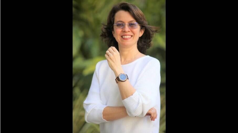 Chrystina Barros:
