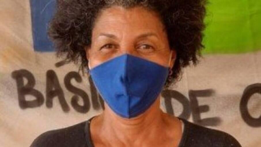 Professora desempregada, Rita de Cássia Barros, de 55 anos, moradora de Guaratiba, na Zona Oeste do Rio, atravessou a pandemia com o auxílio emergencial. Perto do fim do benefício, teme ficar sem renda antes de encontrar um emprego