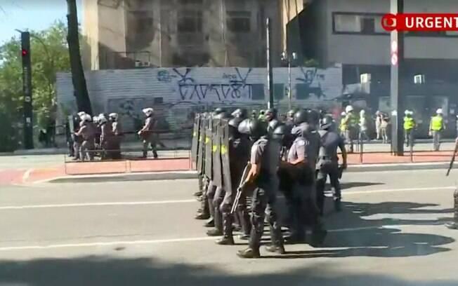 Tropa de choque lançou bombas contra manifestantes