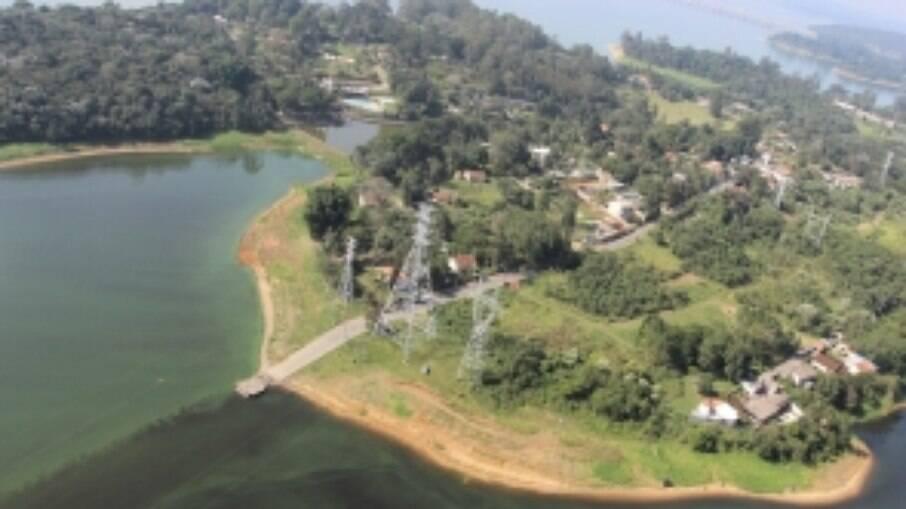 A Ilha do Bororé é uma península no extremo sul da capital