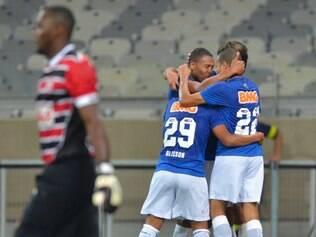 Diferença entre as duas equipes era discrepante e Cruzeiro soube fazer valer a superioridade técnica