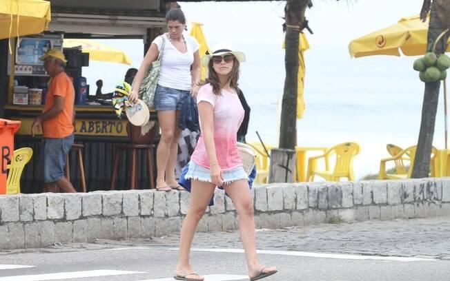 Fernanda Paes Leme em dia de praia