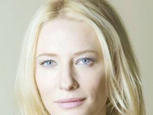 Atriz Cate Blanchett adota uma menina
