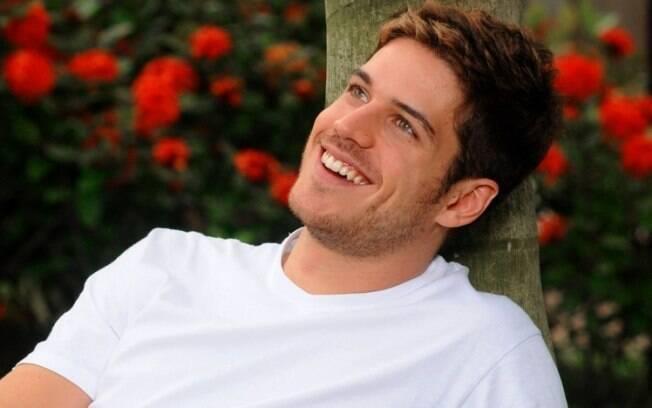 Marco Pigossi eleito pelo internautas do iG o novo galã da televisão