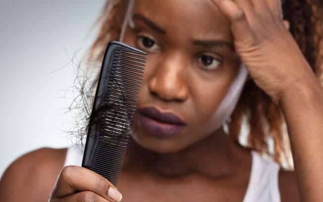 Queda de cabelo pós Covid: entenda o motivo e conheça os tratamentos