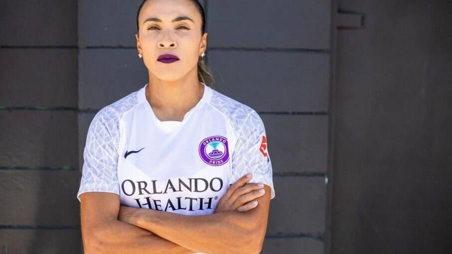 Marta é meia-campista da seleção feminina