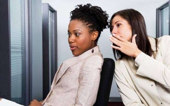 Fofoca: segundo pesquisa, ela estimula a autocrítica e ajuda a identificar ameaças em potencial