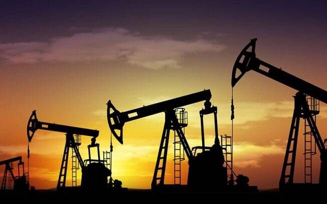Preços do petróleo caem após forte onda de preocupação do mercado com variante Delta