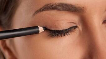 Aposte no lápis para conseguir efeito mais marcante no olhar