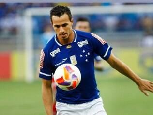 Leandro Damião foi o autor do segundo gol do Cruzeiro no Mineirão