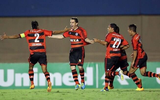 Chicão comemora primeiro gol pelo Flamengo