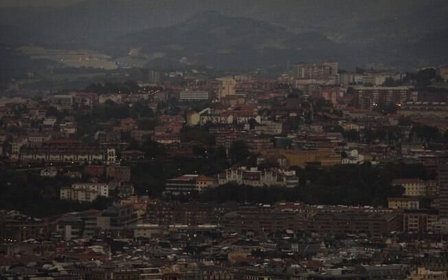 Foto da superlua registrada na Espanha neste domingo (27). Foto: AP - 27.9.15