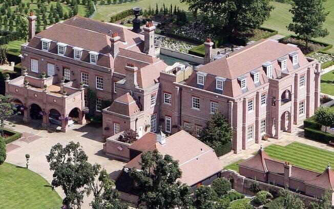 A mansão de Victoria e David Beckham na Inglaterra: R$ 52 milhões