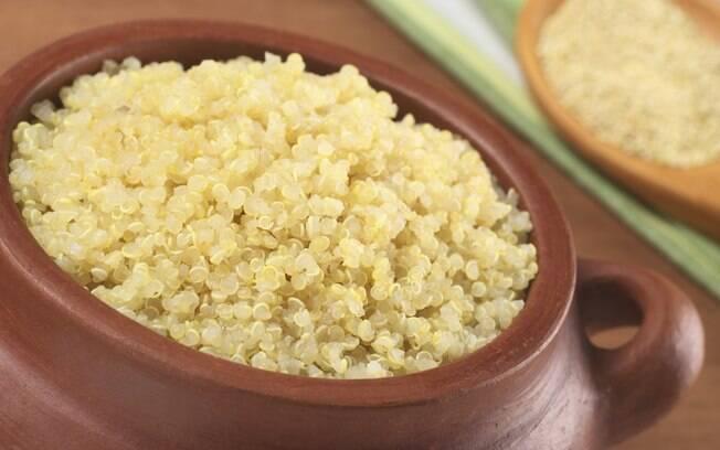 Quinua: além de alto teor de fibras, contém saponina, uma substância que reduz o colesterol produzido no fígado. Foto: Getty Images