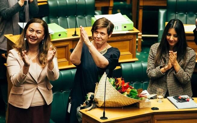 Nova Zelândia aprovou lei que garantirá dez dias de licença remunerada do trabalho para as vítimas de violência doméstica