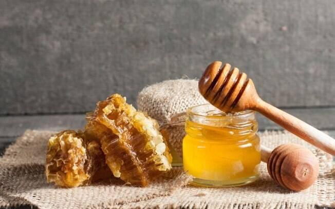 5 simpatias com mel para conquistar amor e dinheiro!