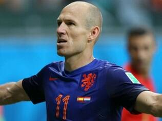Holanda massacra Espanha na estreia das seleções do Grupo B, na Arena Fonte Nova