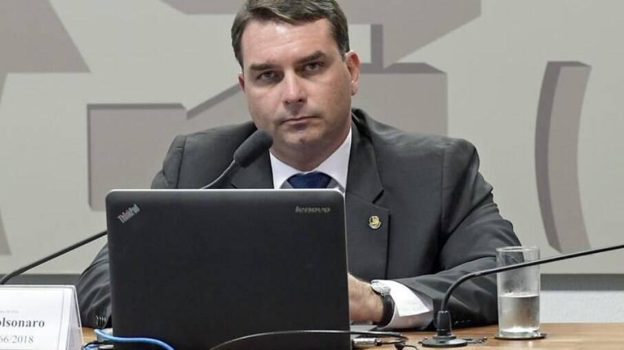 MP vê ligação de 'rachadinha' com imóvel de Flávio Bolsonaro no Rio