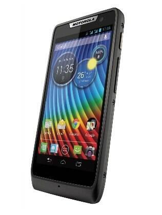 Motorola Razr D3 chegará ao Brasil na versão com dois chips, por R$ 800