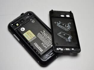 Bateria ocupa boa parte do corpo de um smartphone