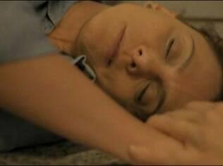 Eliane passa mal e descobre que tem câncer