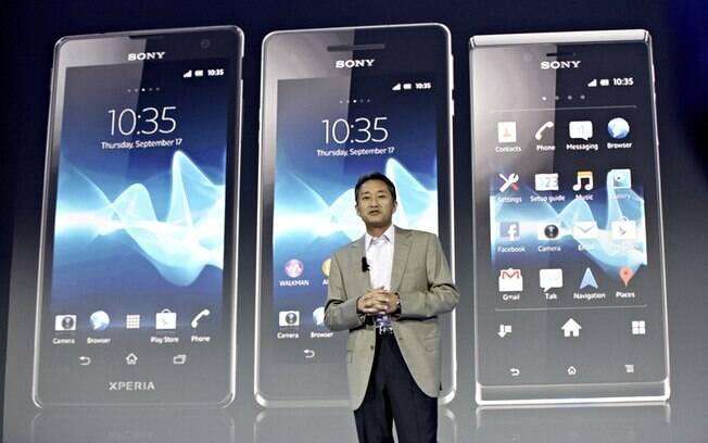 Kaz Hirai, CEO da Sony, apresenta novos aparelhos com Android