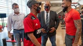 Robson realiza sonho de conhecer elenco do Flamengo