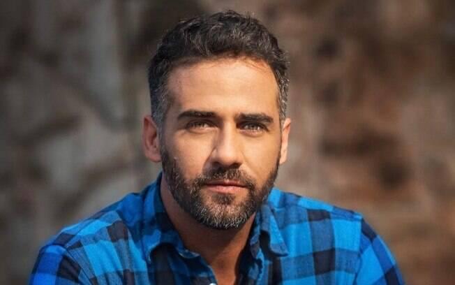 Rafael Sardão emenda novela com série