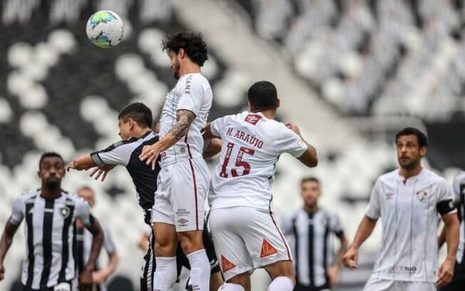 Ruim para os dois: Botafogo e Fluminense empatam no Brasileirão