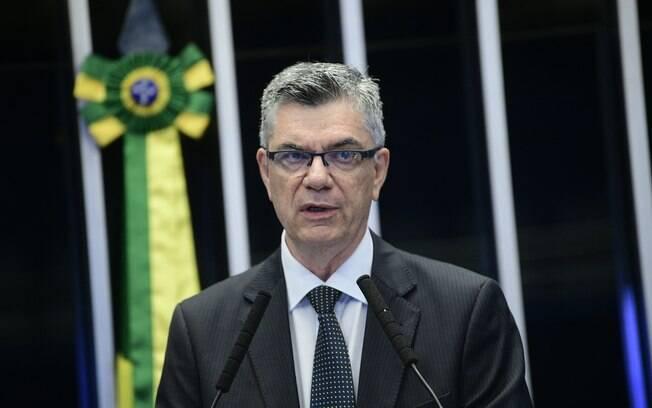 Presidente da Associação Nacional de Jornais (ANJ), Marcelo Rech, discursa no Senado