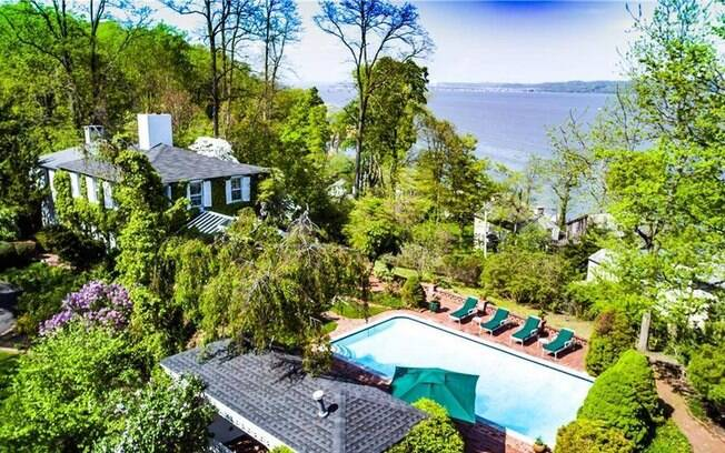 Mansão dos famosos: casa de Scarlett Johansson e Colin Jost está localizada em Nova York, com vista para o rio Hudson