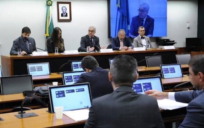 Representantes de Gol e Azul em comissão na Câmara dos Deputados