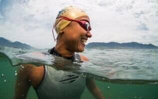 Brasileira será primeira mulher a nadar da Bolívia ao Peru no Lago Titicaca