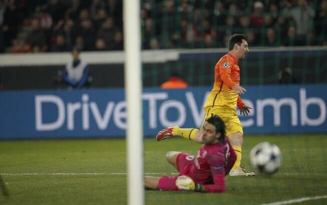 Messi sai para comemorar gol do Barcelona