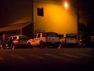 Cidades- Contagem_MG Tiroteio e denuncia de violencia policial na rua Osorio de Morais, em Contagem FOTO: OSVALDO RAMOS / O TEMPO- 20.03.2014