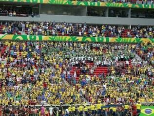 Torcida vaiou durante todo o discurso de Joseph Blatter e da presidente Dilma Rousseff