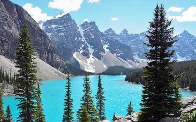 Escolha entre um carro e um motorhome e passe dias descobrindo as vistas incríveis nos arredores das Montanhas Rochosas do Canadá