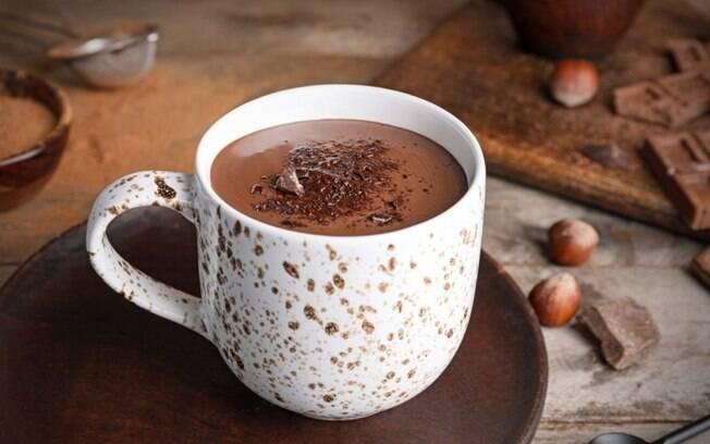 6 receitas de chocolate quente para aquecer os dias frios