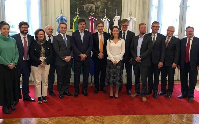 Autoridades dos blocos econômicos comemoram novo acordo comercial