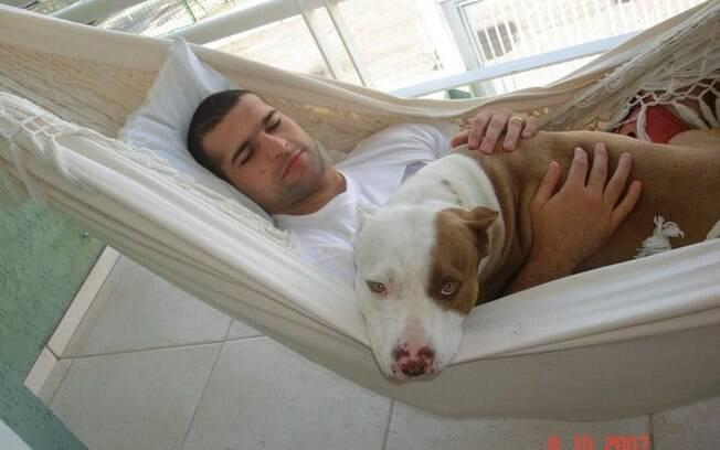 Mauricio Shogun, do UFC, tem um pit bull de  estimação