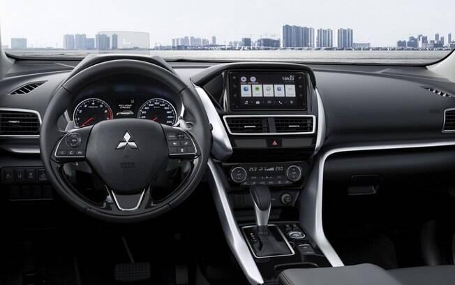 Mitsubishi Eclipse Cross 2019 traz a nova identidade visual da Mitsubishi no painel
