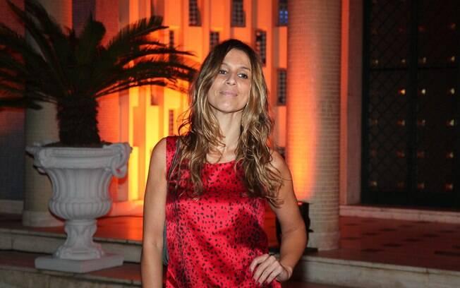 A apresentadora Sarah Oliveira também estava na festa