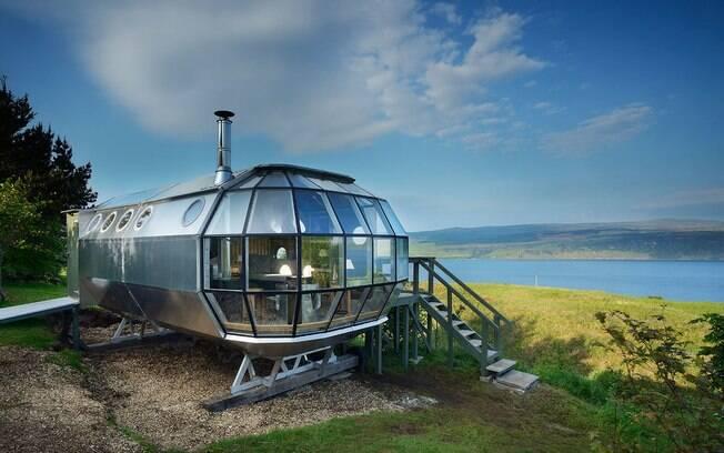 Um protótipo da mini casa foi construído na Escócia e serve como hospedagem, mas também é possível comprar uma igual