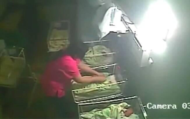 Enfermeira agrediu Nicole quando ela tinha apenas quatro dias de vida em hospital da Bulgária