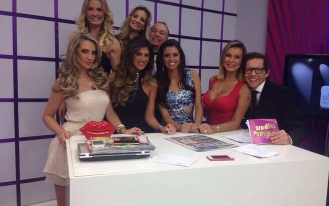 Andressa Urach estreia como apresentadora