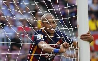 Estafe de Neymar interrompe processo de renovação com o Barcelona - Futebol - iG