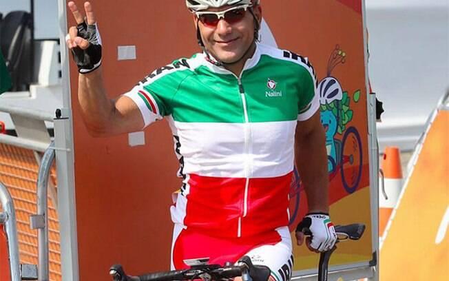 Bahman Golbarnezhad, de 48 anos, morreu após grave acidente na prova de ciclismo de estrada