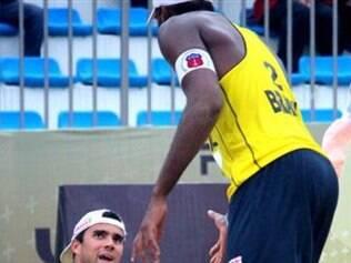 Evandro e Vitor Felipe deram adeus do torneio de forma precoce